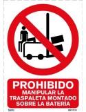 Señal A4 PVC obligatorio uso de ropa protectora O11